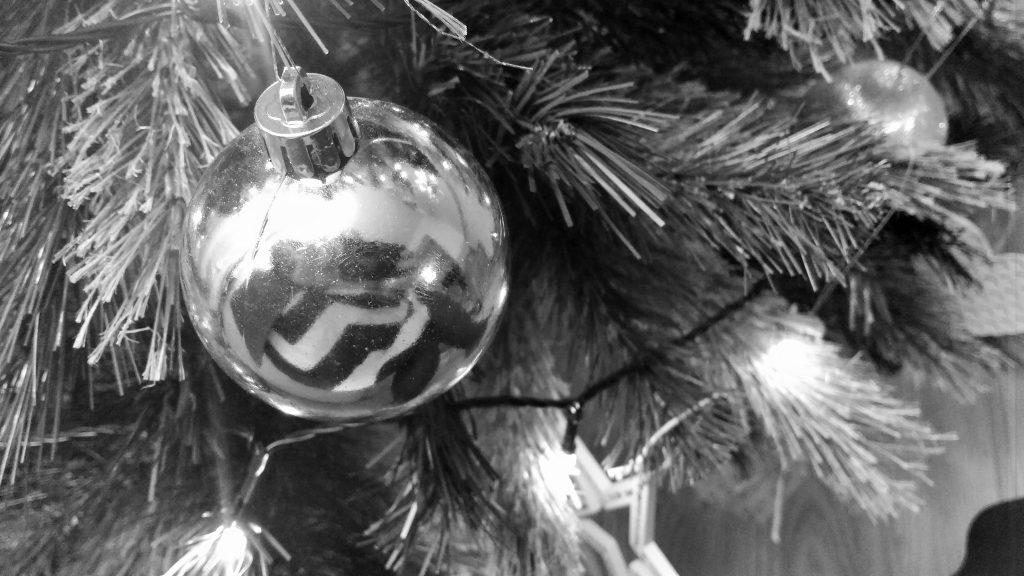 Grieving bauble black and white
