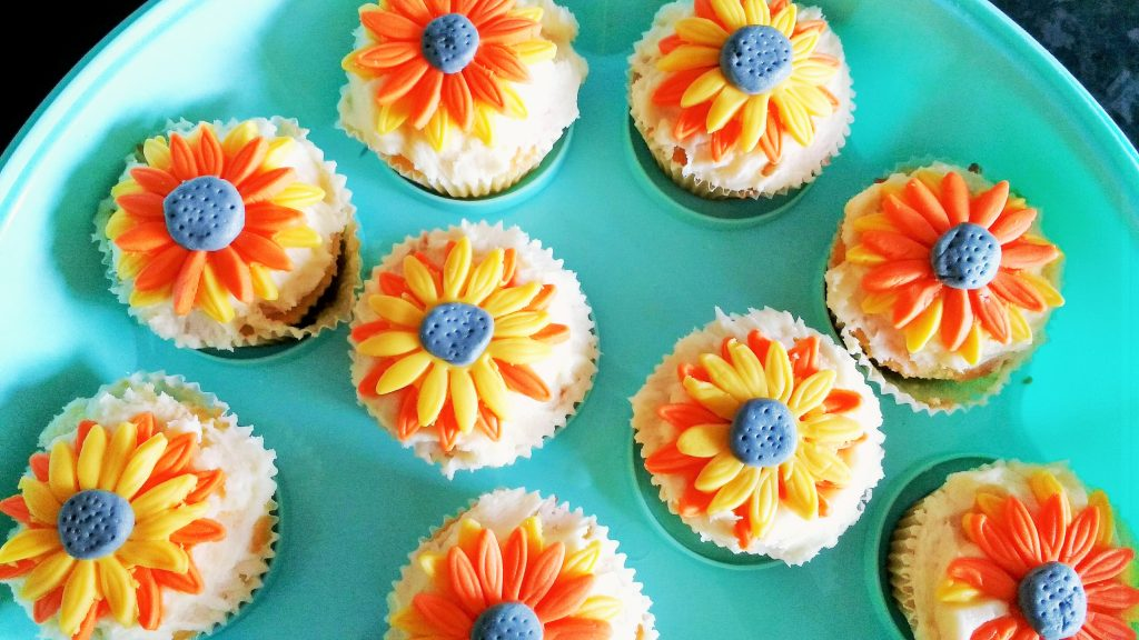 rocking motherhood decorate orange yellow buns