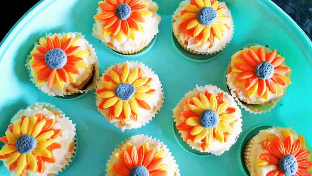 rocking motherhood decorate orange yellow buns