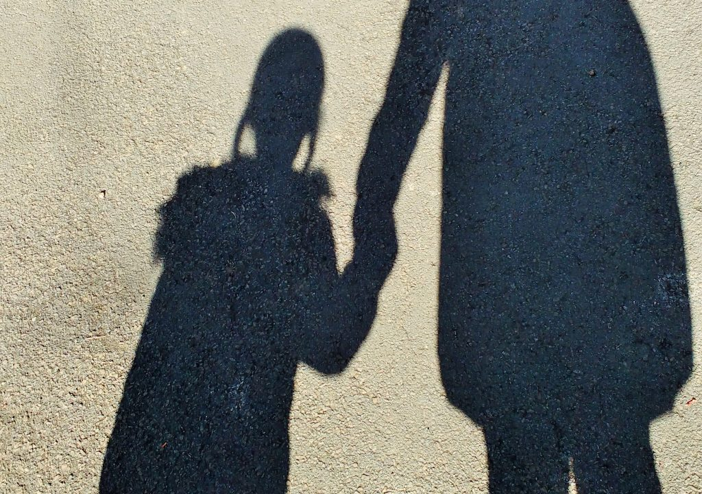 holding hands shadows