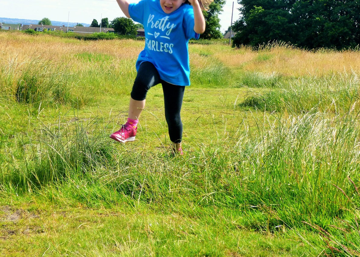 Lucy At Home T-Shirt Pretty Fearless Sapphire Jumping