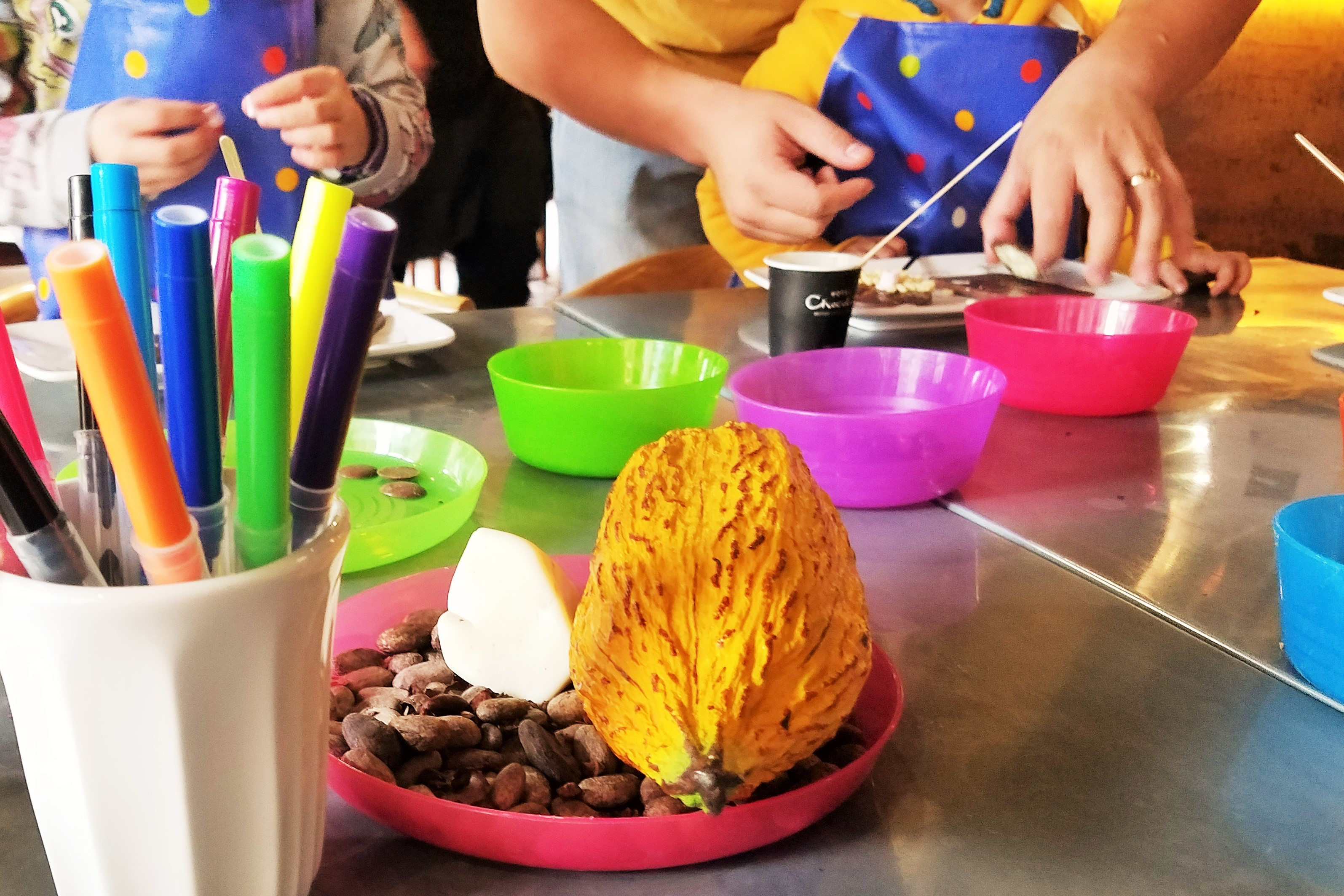 Hotel Chocolat decorating chocolate slabs - kids' party ideas