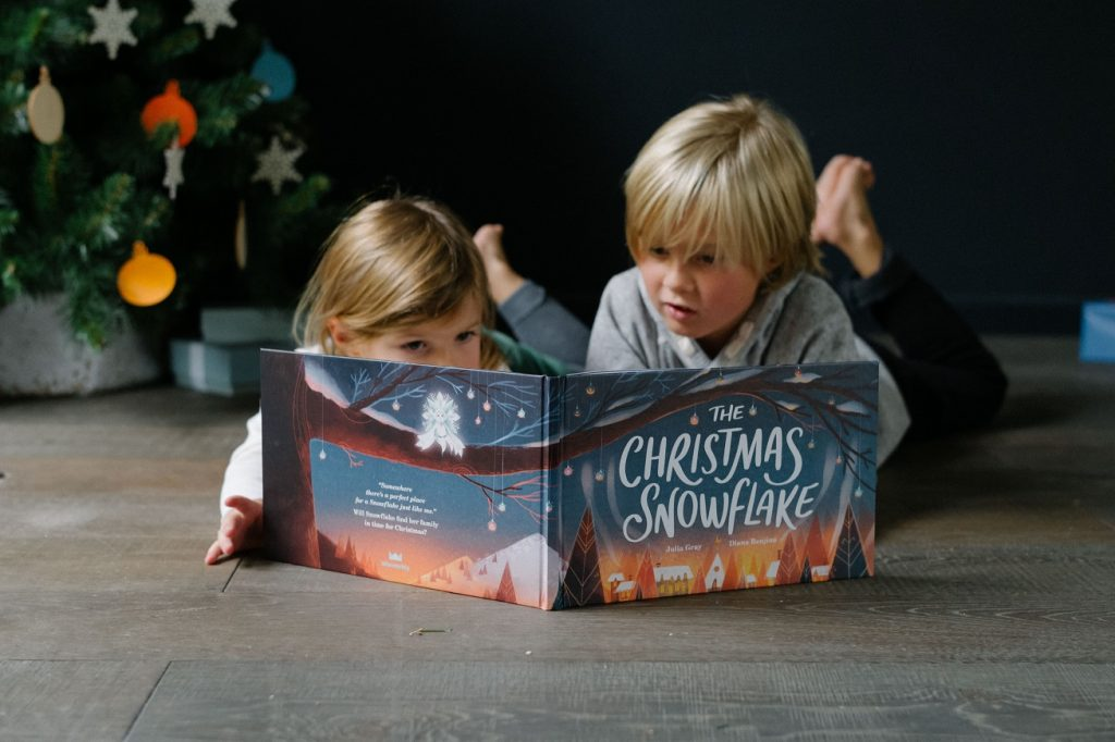 Snowflake personalised magical book gift guide for creative kids