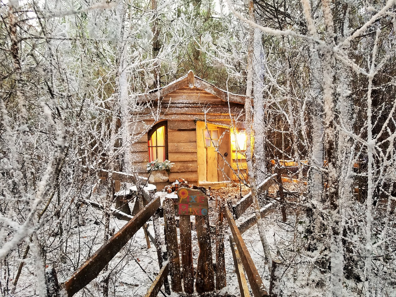 Lapland UK Pixie Mix Elf House Snowy Forest