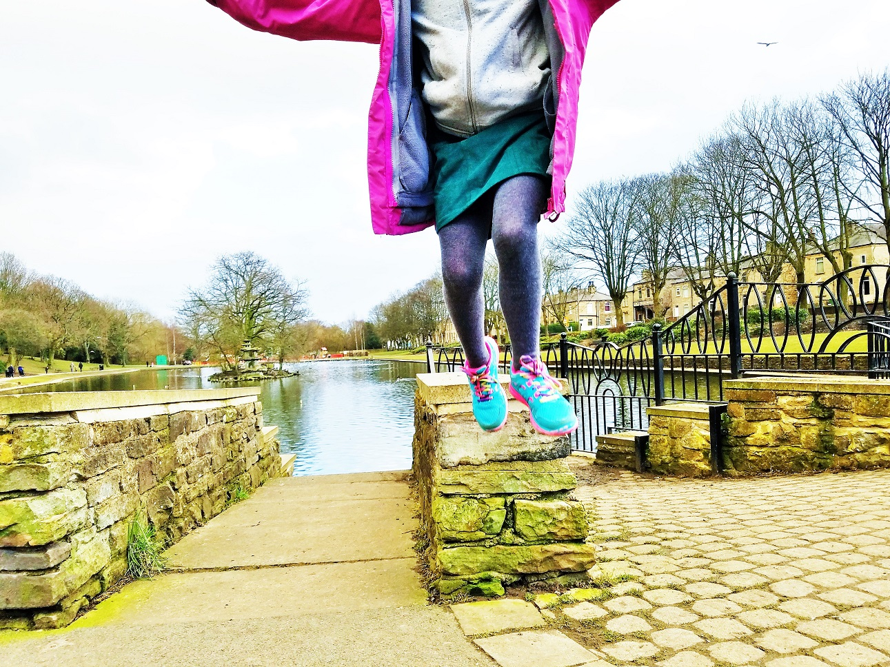 9 things my kids say that make my heart sing - watch me! - child leaping jumping off a wall