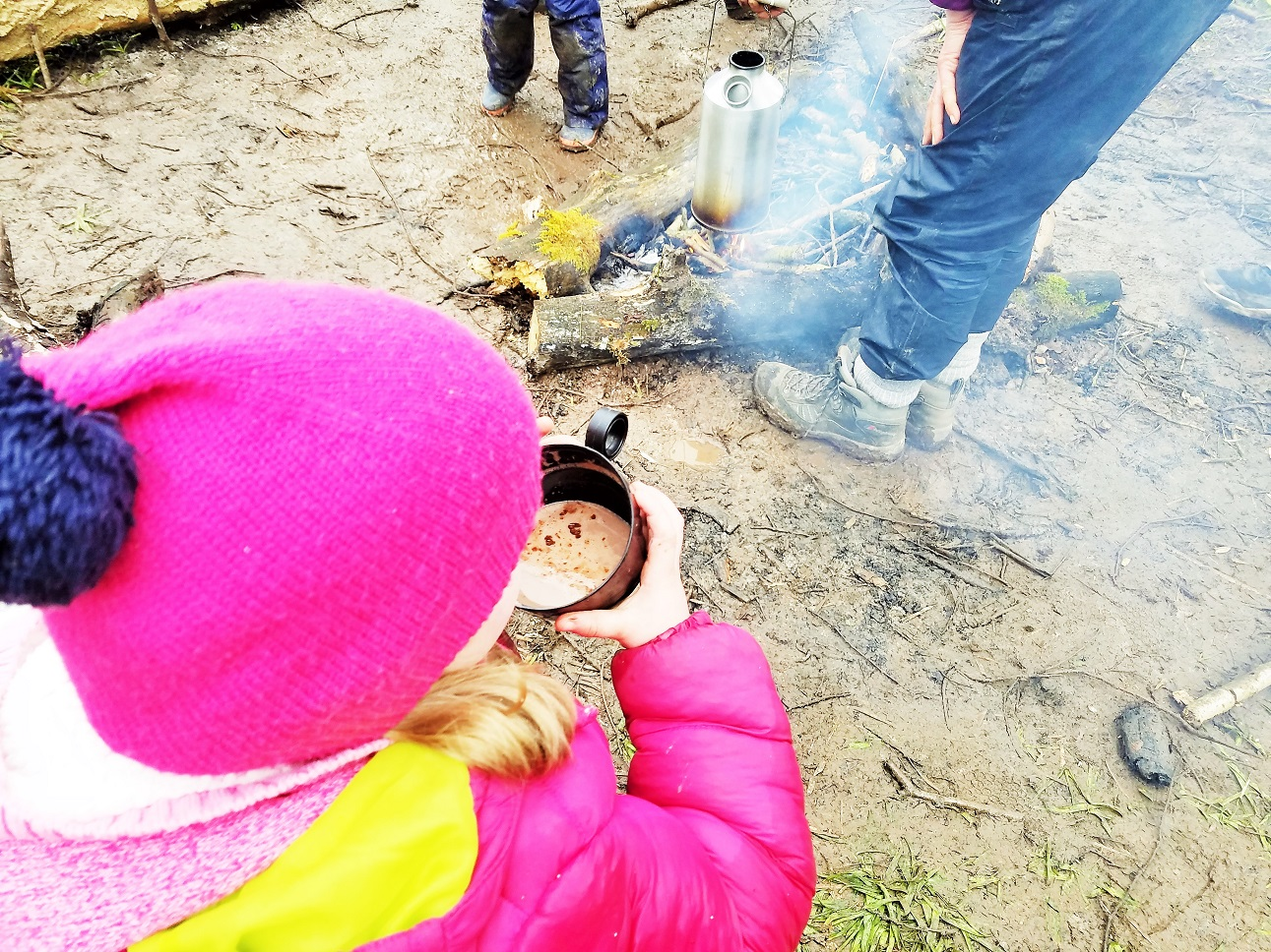 Using a kelly kettle to make hot chocolate at Yorkshire Dales Forest School