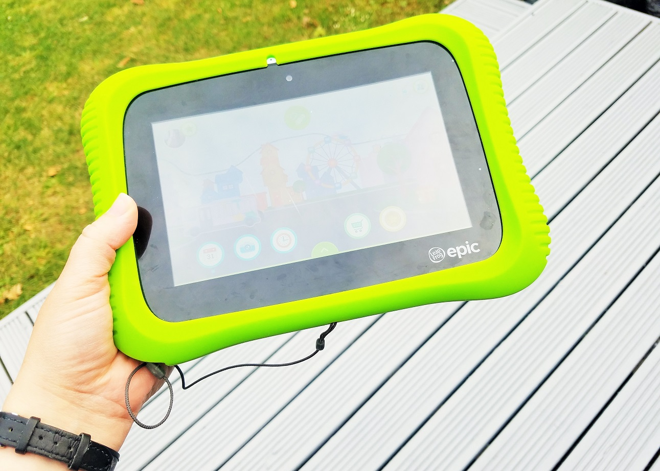 11 digital technology tips for mums - green leapfrog tablet for kids - BlogCrush Week 70