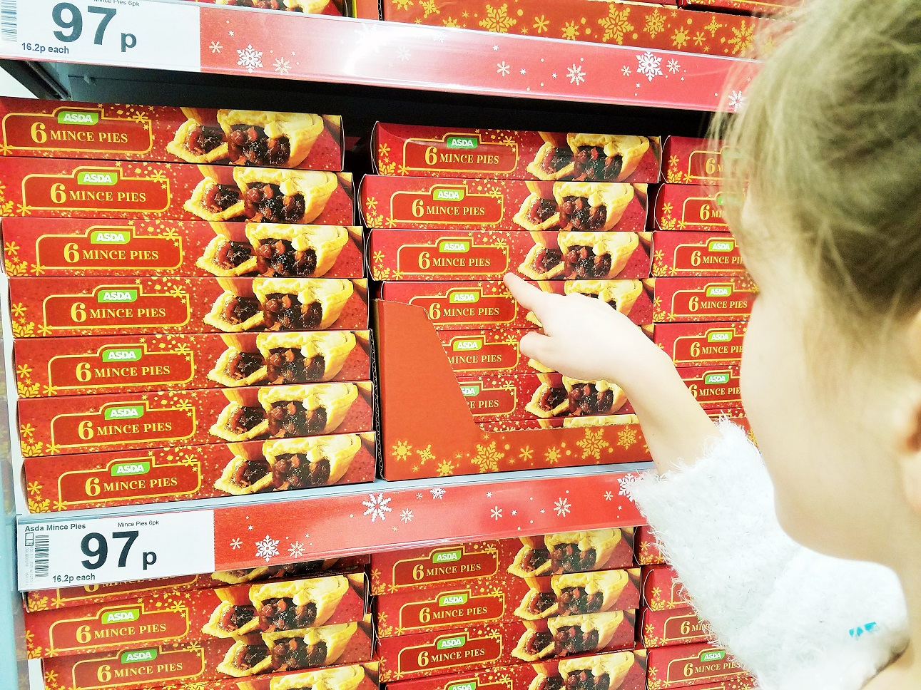 using the scan and go to make shopping quicker - asda mince pies
